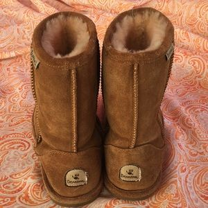 d5a72e30d90 Shoes Uggs Bearpaw Fake Poshmark Bear Paws dBwEqwx